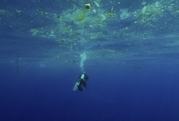 Ocean Plastic Pollution_07