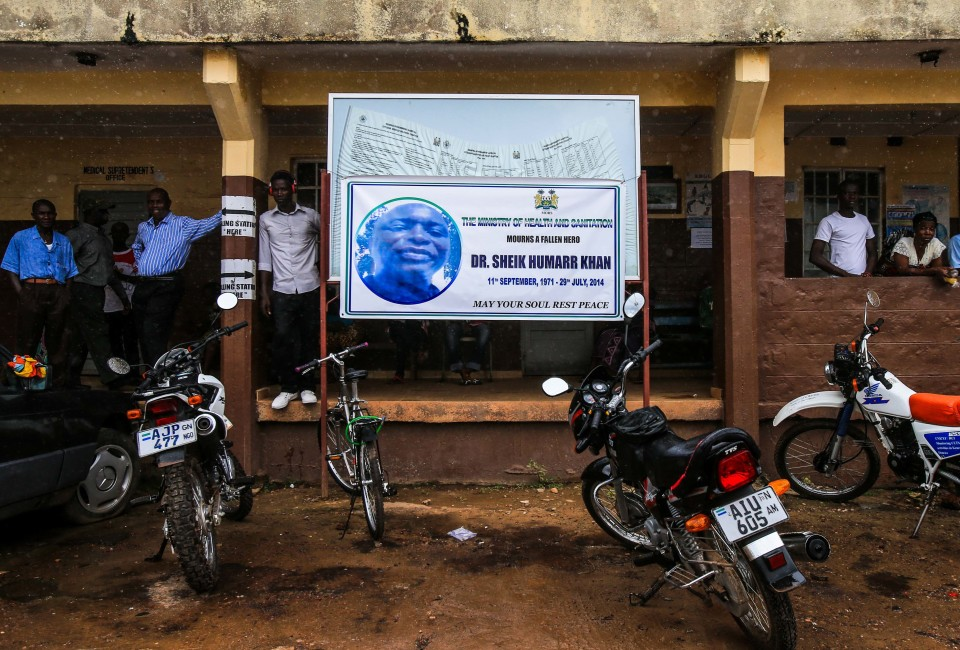 KENEMA, Aug. 19, 2014  Photo taken on Aug. 18, 2014 shows a banner mourning Sheik Humarr Khan, the late top doctor in Sierra Leone's fight against the dreaded Ebola disease, at the government hospital in Kenema, east of Sierra Leone. Sierra Leone's Minister of Health and Sanitation Miatta Kargbo said that about 90 percent of Ebola cases in Sierra Leone are in Kenema and Kailahun districts. The main task is to reduce new cases in the two districts and improve medical treatment in areas of potential Ebola outbreak in the coming weeks. (Credit Image: © Meng Chenguang/Xinhua/ZUMA Wire)
