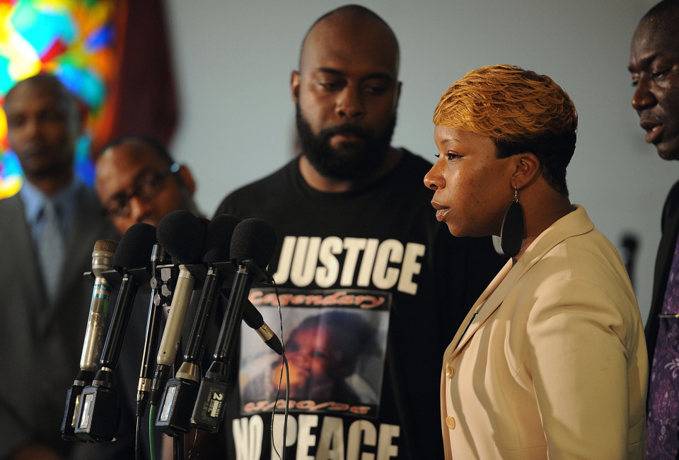 JENNINGS, MO - AUGUST 11: Lesley McSpadden, mother of slain 18 year-old Michael Brown speaks during a press conference at Jennings Mason Temple Church of God In Christ, on August 11, 2014 in Jennings, Missouri. The fatal shooting by police of the unarmed teen in Ferguson, Missouri has sparked outrage in the community and set off civil unrest including looting and vandalism. (Photo by Michael B. Thomas/Getty Images)