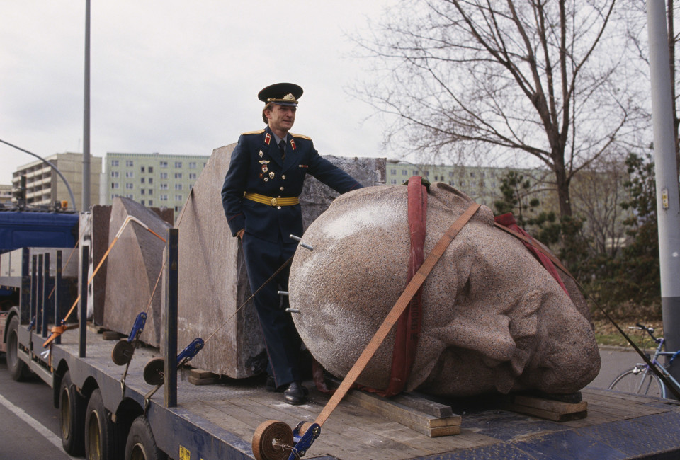 13 Nov 1991, Berlin, Germany --- A statue of Lenin in Germany is removed from its plinth to be demolished. --- Image by © Regis Bossu/Sygma/Corbis