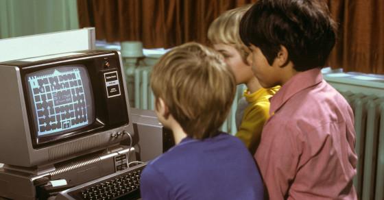 For Geeks and Oddballs, RadioShack Was Their Studio 54