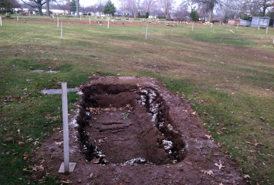 Eric Garner Grave_02