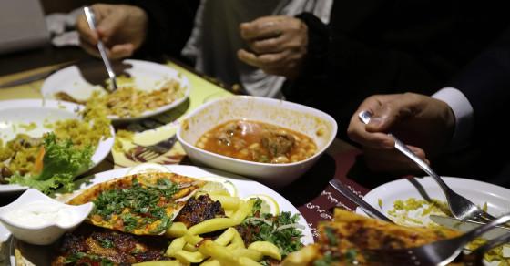 Lebanon Eats Shit, Literally