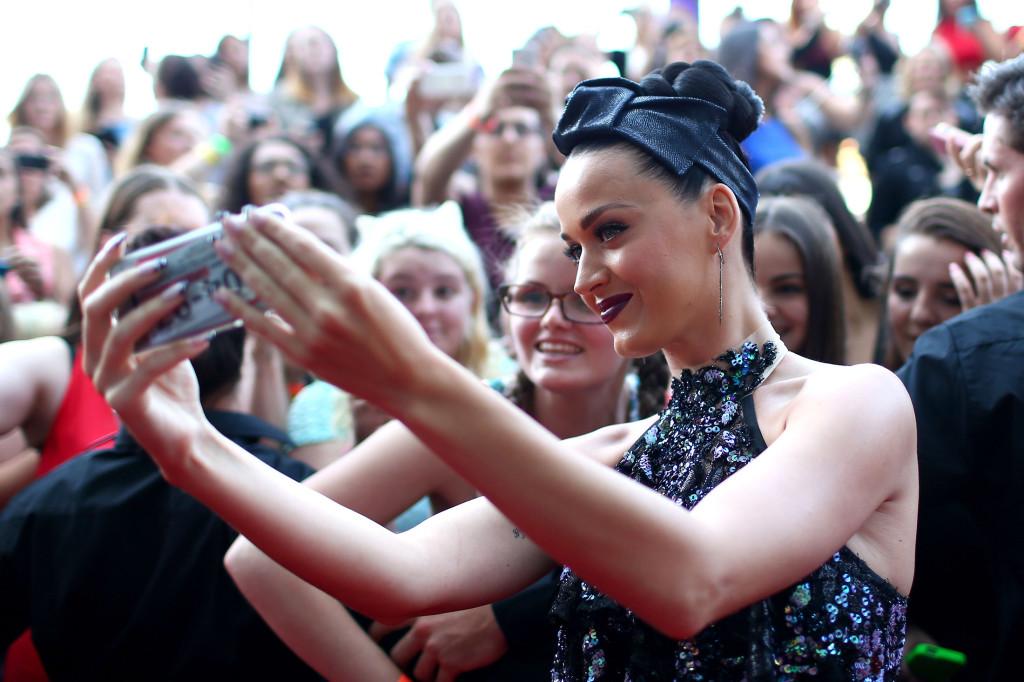 The Year in Celeb Selfies