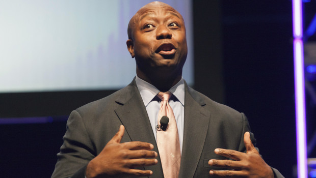 Senator Tim Scott speaks at the Family Leadership Summit in Ames, Iowa August 9, 2014. The pro-family Iowa organization is hosting the event in conjunction with national partners Family Research Council Action and Citizens United.  REUTERS/Brian Frank? (UNITED STATES - Tags: POLITICS BUSINESS) - RTR41TIV