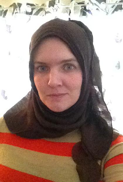 USChristian Woman Hijab_03
