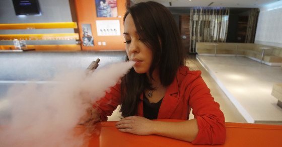 Influential Doctors' Group Urges Ban On E-Cig Flavors, Advertising