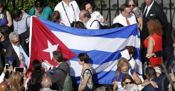 Cubans Slowly Gaining More Internet Access
