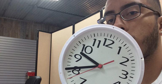 Kids Bring Clocks To School To Support #IStandWithAhmed