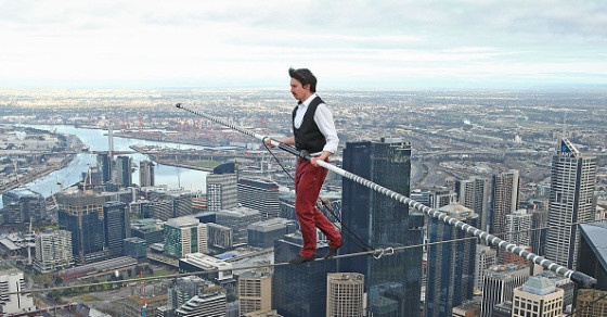 Kane Petersen Performs Tightrope Walk 984 Feet Above The Ground