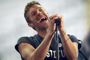 Coldplay To Play Super Bowl Halftime Show, Fans Despair