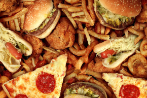 These Fast Foods Contain An Entire Day's Worth Of Salt