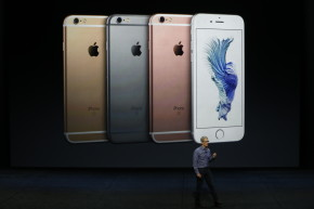 Apple Sells A Gazillion iPhones But Isn't Really Growing