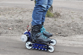 These Motorized Rollerblades Go Off-Roading