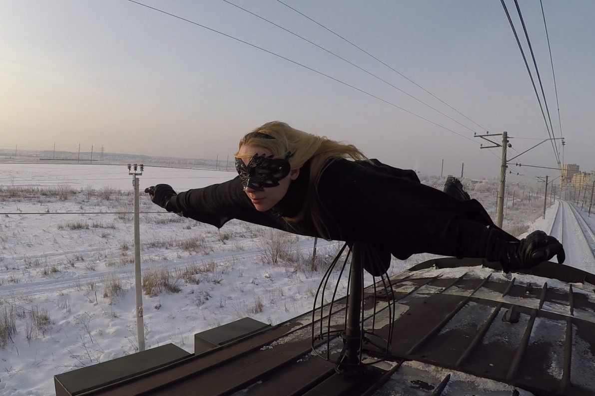 Riding With Russia S Train Surfing Daredevil Teens Vocativ