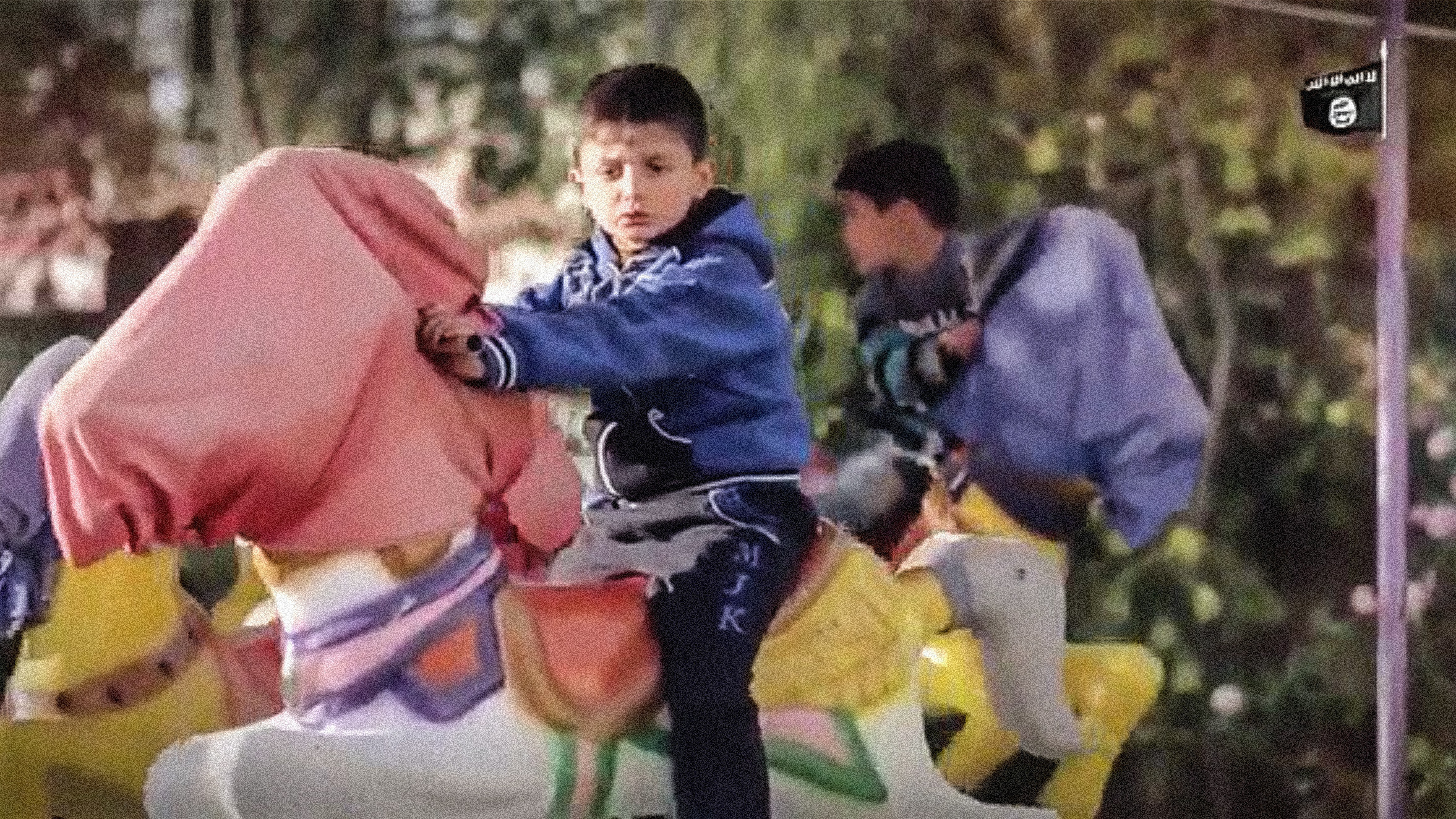 child_on_carousel_ISIS_vid