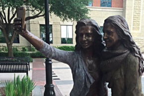 Texas Town Unveils A Statue Of Two Women Snapping Selfies