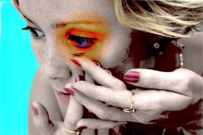 Terrible Contact Lens Hygiene Is Damaging Wearers' Eyes