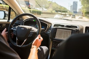 Govt. Promotes Driverless Cars By Pointing Out Humans Suck