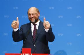 Germans Copy Trump Fans' Style In Very Hilarious Reddit