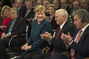 Merkel Backs Free Press As 'Pillar Of Democracy'