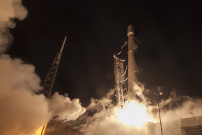 SpaceX Launches From Historic Apollo Moon Pad